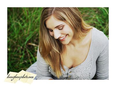 Kansas city senior portraits girl in field 368 Edit