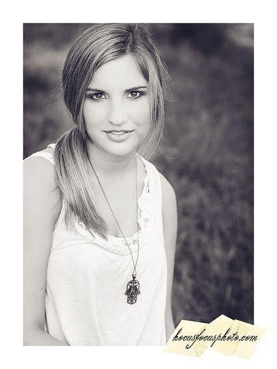 Kansas city senior portraits girl in field 444 BWL